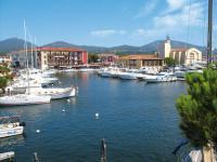 Port Grimaud (20Kms)